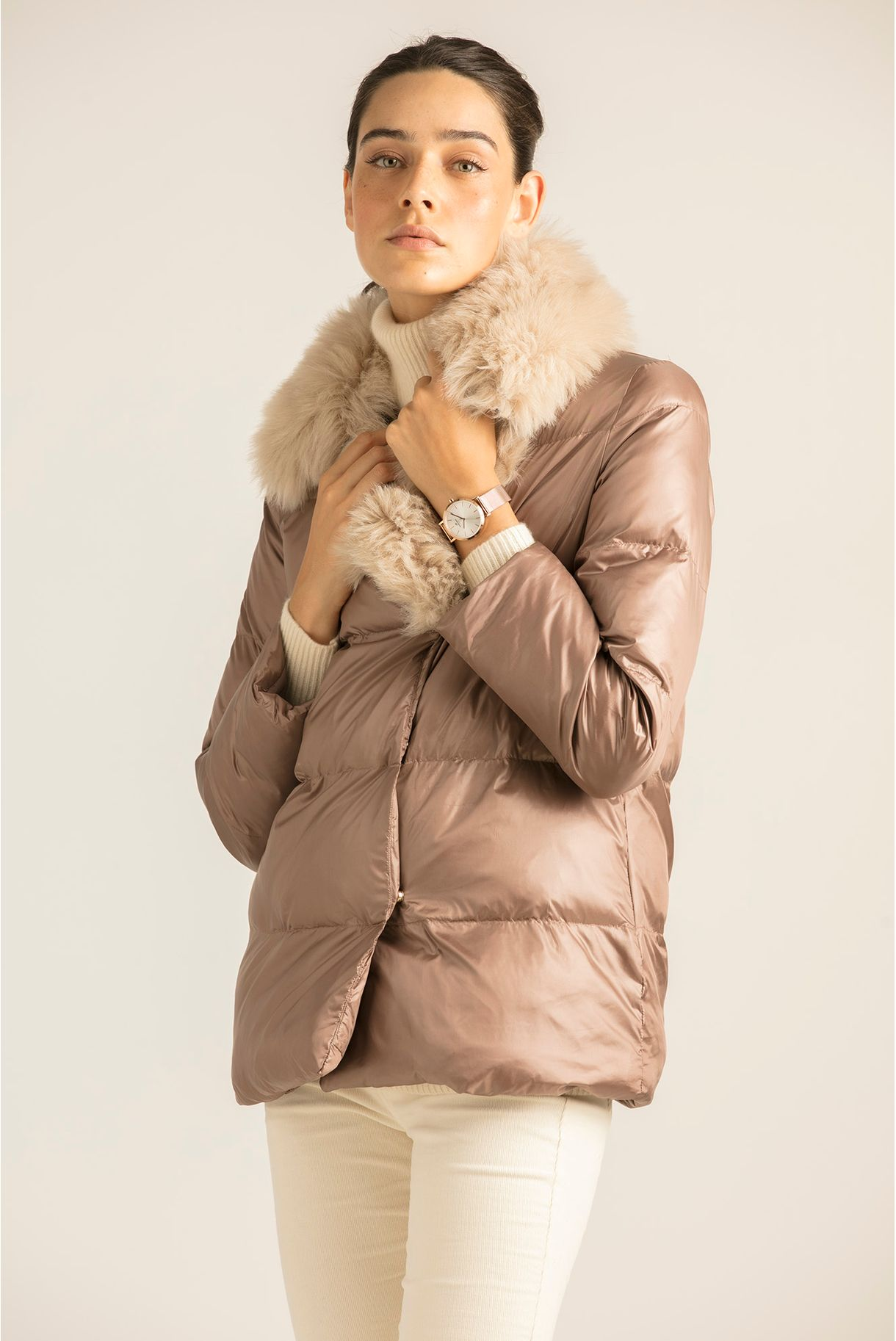 JACKET WITH FUR IN THE COLLAR